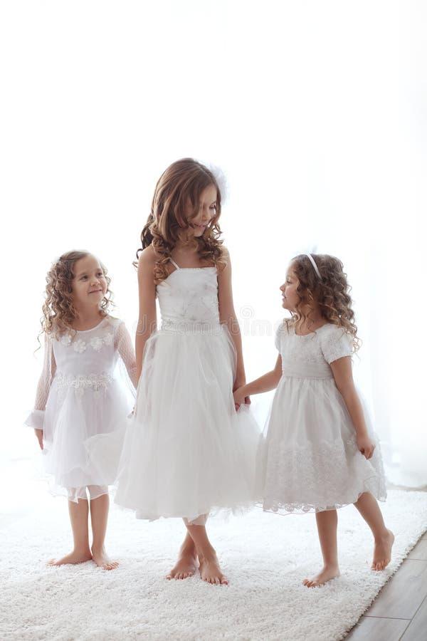 Petites filles photographie stock libre de droits