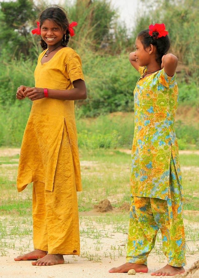 Petites filles de sourire images stock