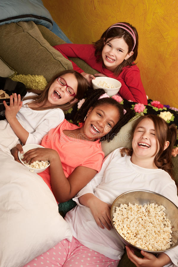 Petites filles heureuses images libres de droits
