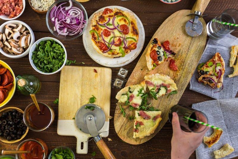 Petites pizzas images libres de droits