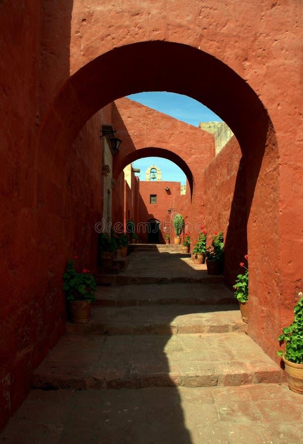 Petites rues de Santa Catalina Monastery à Arequipa photo libre de droits
