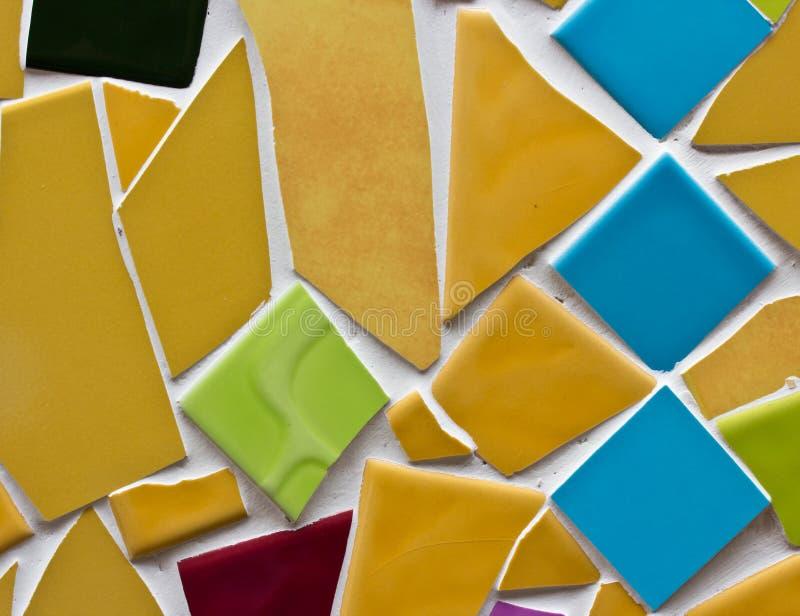 Petites tuiles multicolores photographie stock libre de droits