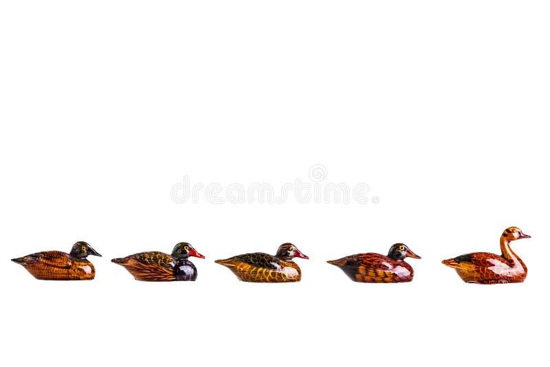 Petits canards en bois photographie stock libre de droits