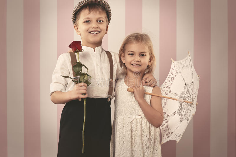 Petits couples mignons photos stock