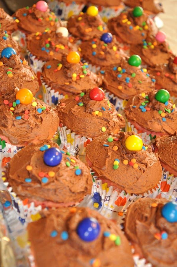 Petits gâteaux d'anniversaire photos libres de droits