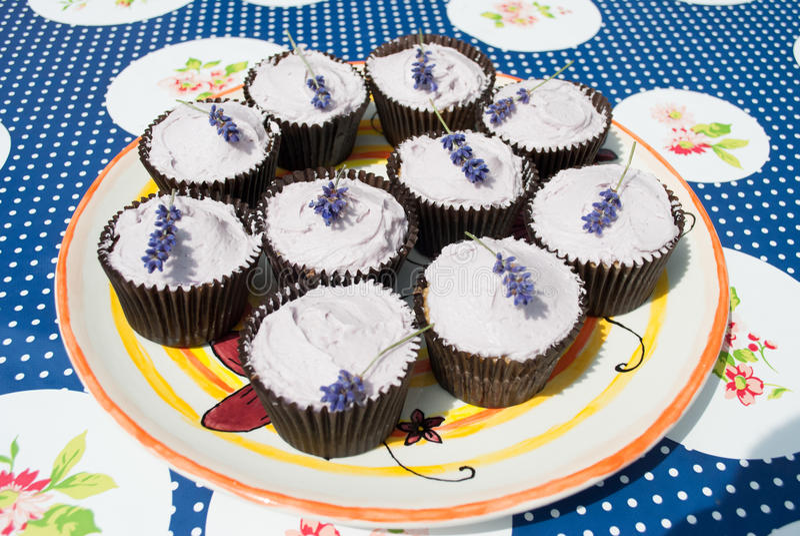 Petits gâteaux de lavande image libre de droits