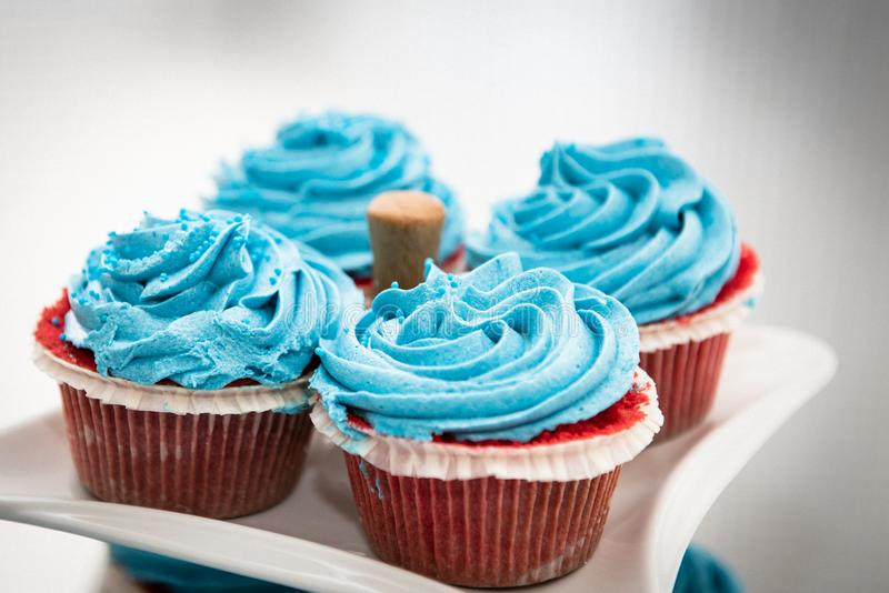 Petits gâteaux doux délicieux frais image libre de droits