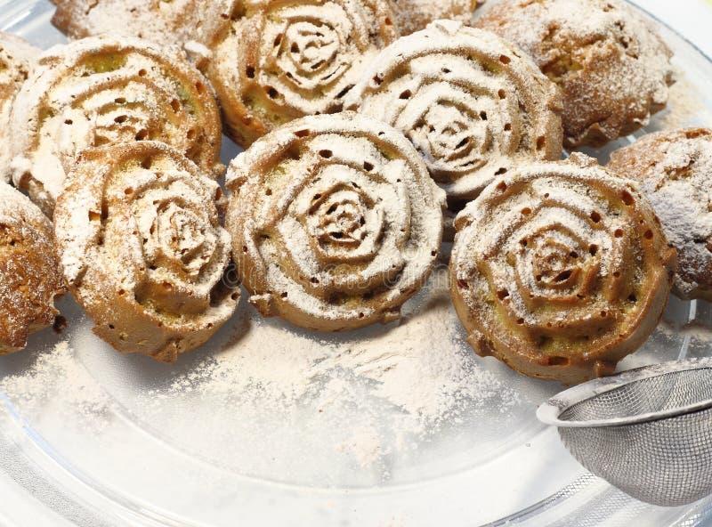 Petits gâteaux en sucre en poudre photo libre de droits
