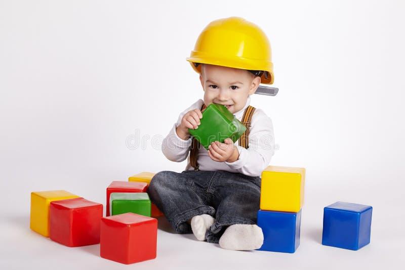 Download Petits Jeux D'ingénieur Avec Des Cubes Image stock - Image du conception, beau: 45352689