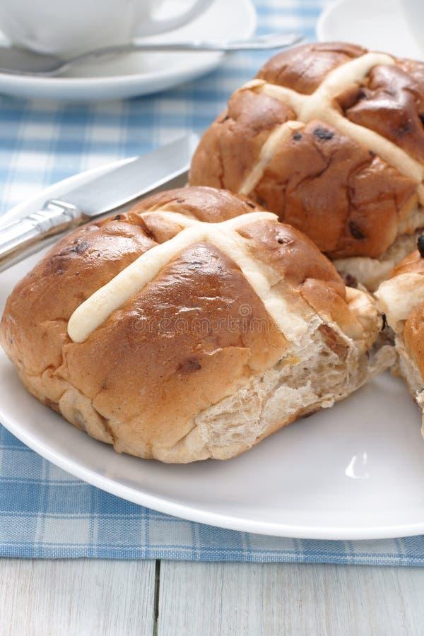 Petits pains croisés chauds images libres de droits