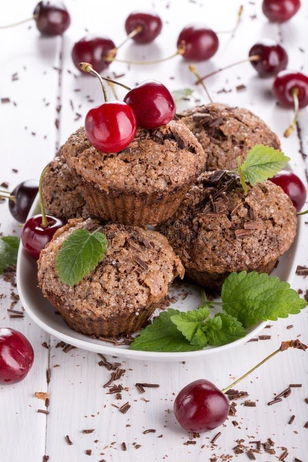 Petits pains de chocolat avec la croûte de sucre photo stock