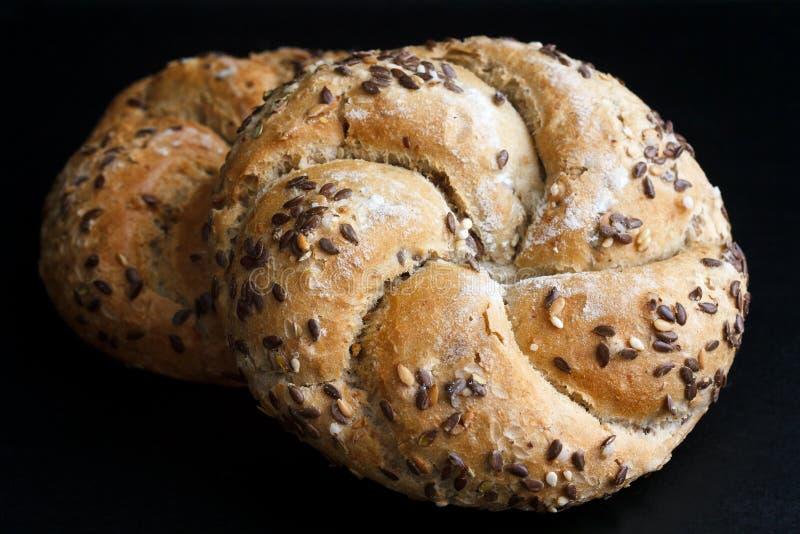 Petits pains de kaiser de blé entier image stock