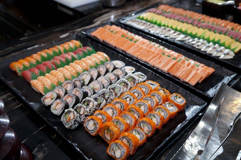Petits pains de la Californie, sushi photos stock