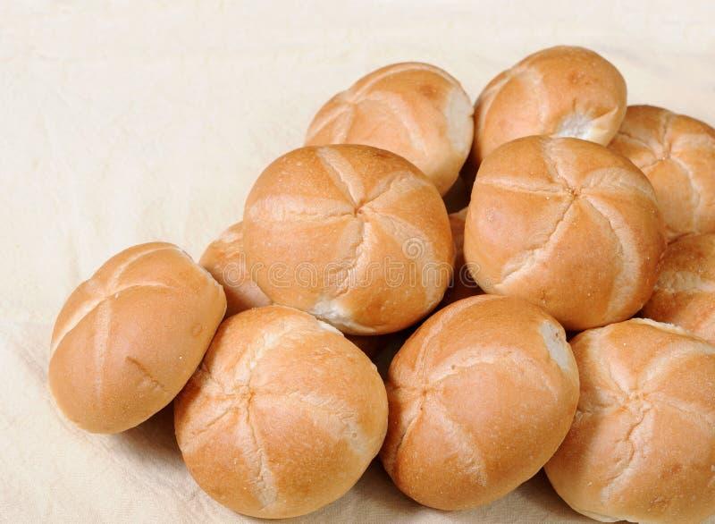 Petits pains de pain pour le petit déjeuner ou le dîner photographie stock