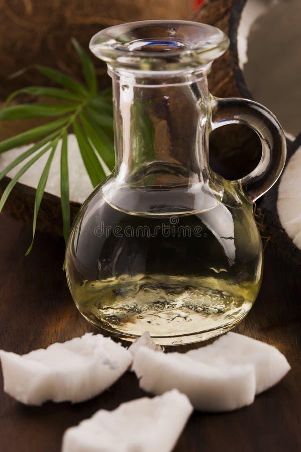 Petróleo de coco imagem de stock