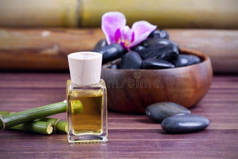 Petróleo del masaje imagen de archivo