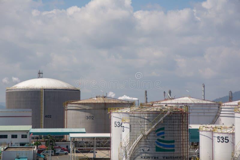 Petróleo y industria petrolera foto de archivo libre de regalías