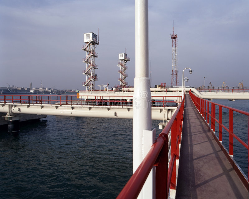 Petróleo y industria petrolera natural fotografía de archivo libre de regalías