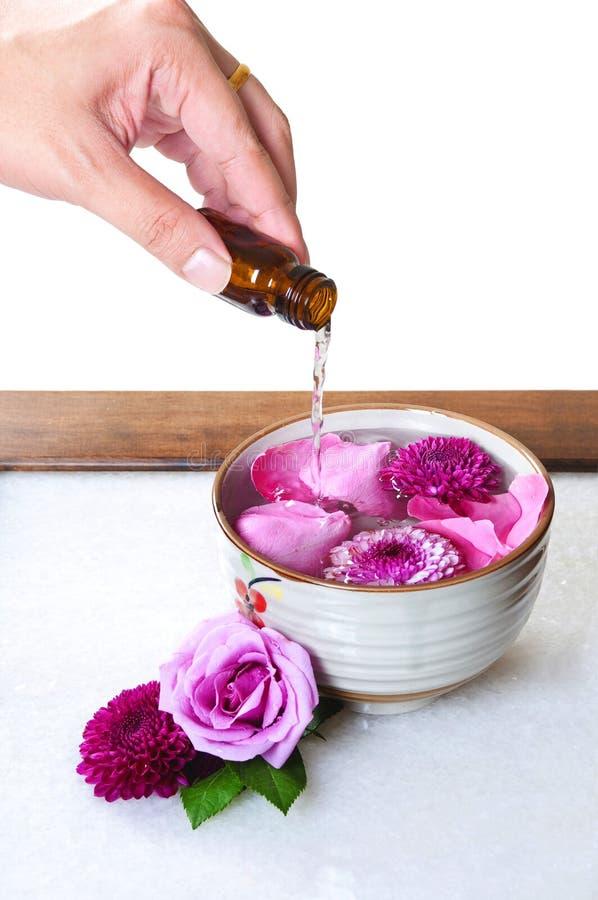 Petróleos essenciais das flores foto de stock royalty free