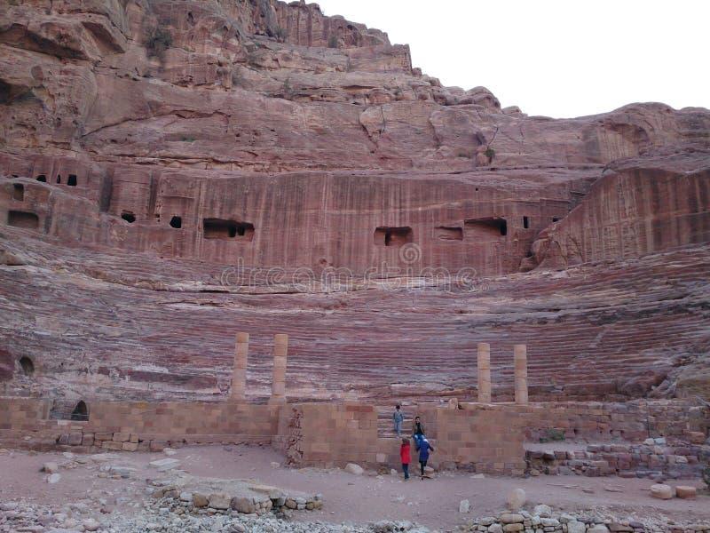 Petra colosseum stock afbeeldingen