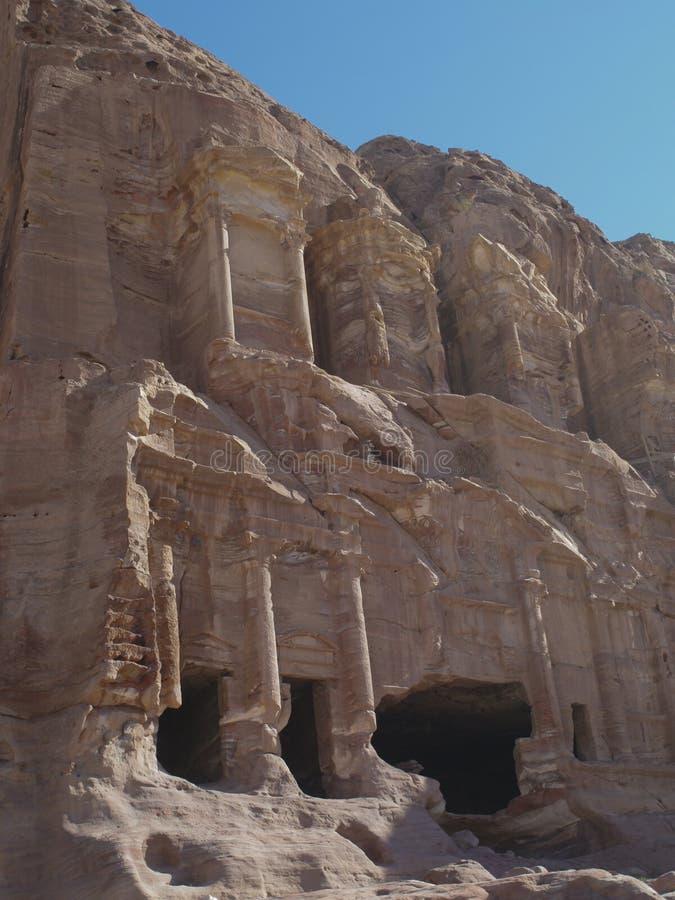 Petra  Raqmu - ιστορικές καταστροφές της αρχαίας, πόλης βράχου του Nabatean Arabians Βρίσκεται στη νοτιοδυτική Ιορδανία Είναι επί στοκ εικόνα με δικαίωμα ελεύθερης χρήσης