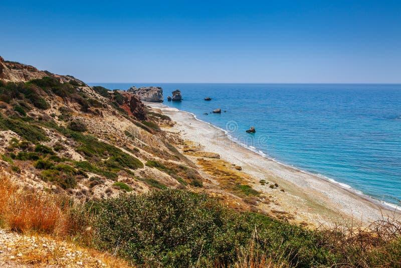 Petra tou Romiou (岩石希腊语),美之女神的传奇出生地全景日落风景在帕福斯,塞浦路斯海岛 免版税库存图片