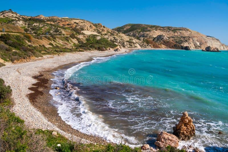 Petra tou Romiou linia brzegowa, tak?e zna? jako Aphrodite ska?a, Pafos teren, Cypr obraz stock