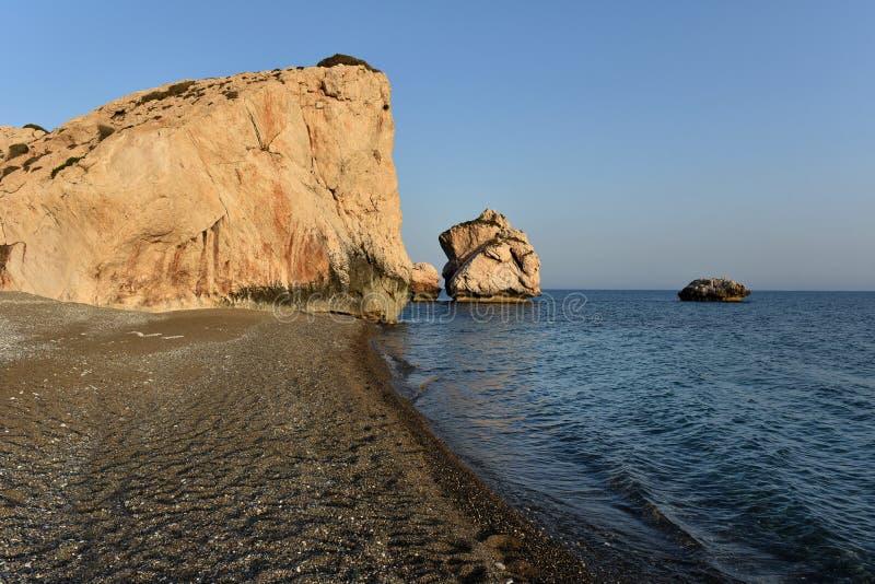WWW_SETOUDY_COM_petra tou roumiou,美之女神` s岩石 在medi的岩石海岸线.