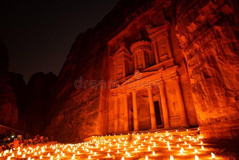Petra vid natt i Jordanien av delen av vaggar staden arkivbilder