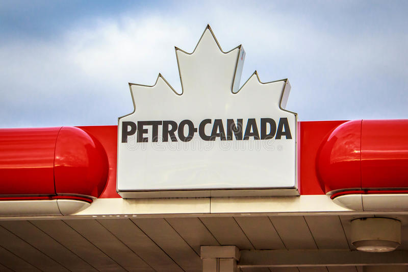 Petro Canada Signage foto de archivo libre de regalías