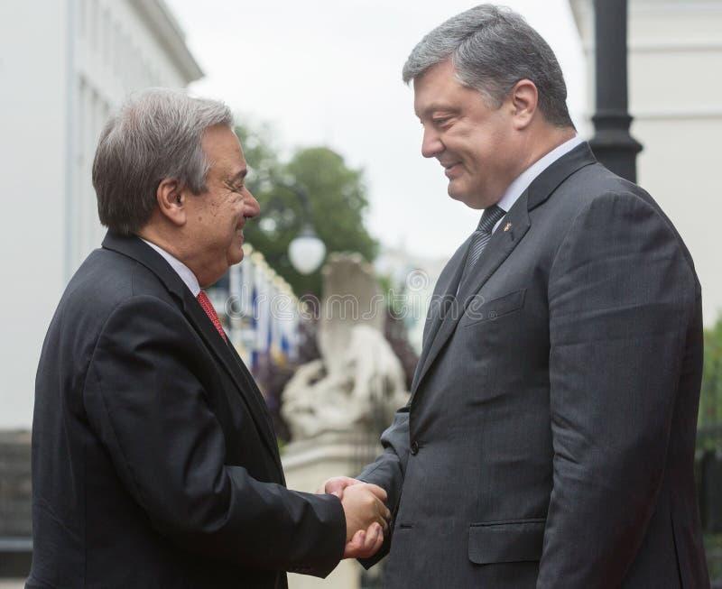 Petro Poroshenko και Η.Ε Γενικός Γραμματέας Antonio Guterres στοκ φωτογραφία με δικαίωμα ελεύθερης χρήσης