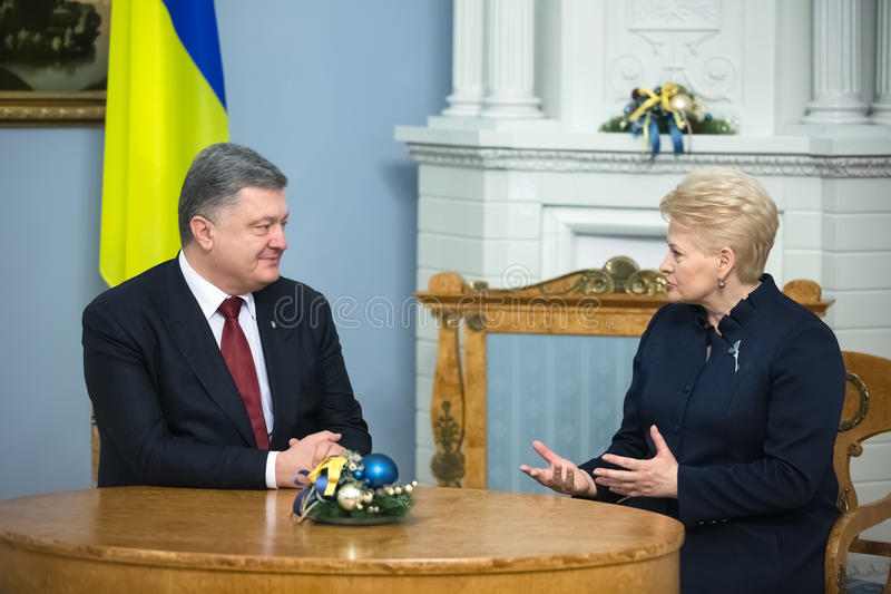 Petro Poroshenko en Dalia Grybauskaite stock foto