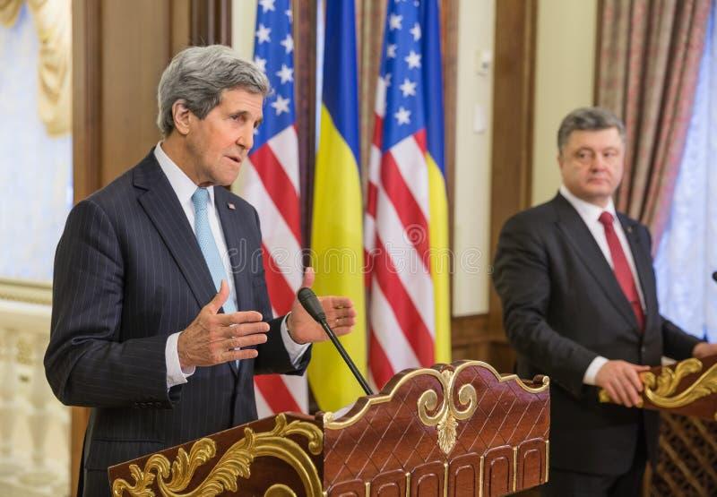 Petro Poroshenko en John Kerry royalty-vrije stock foto's