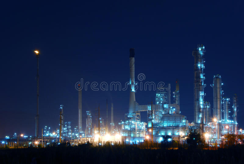 petrochemical ночи индустрии стоковые изображения