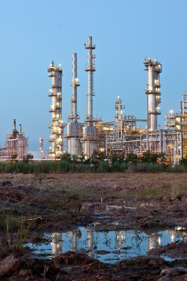 Download Petrochemical Plant Royalty Free Stock Photos - Image: 21303128