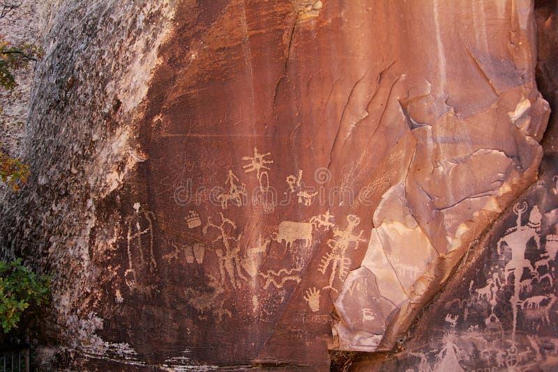 Petroglifi indiani del nativo americano in Mesa Verde National Park fotografie stock libere da diritti