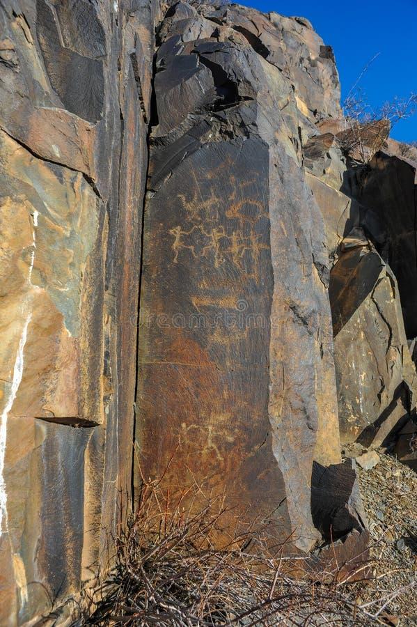 Petroglifi sulla pietra immagine stock libera da diritti