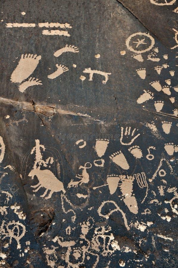 Petroglyph na rocha fotografia de stock