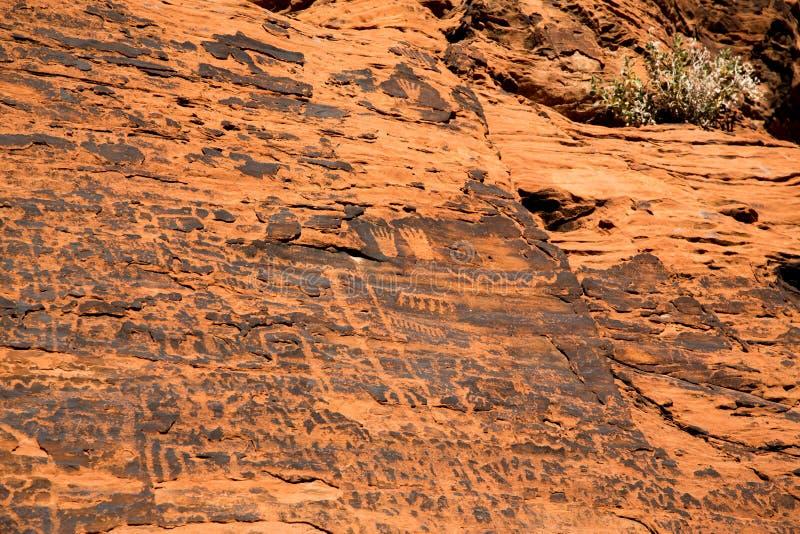 Petroglyphs στην κοιλάδα της πυρκαγιάς στοκ φωτογραφίες