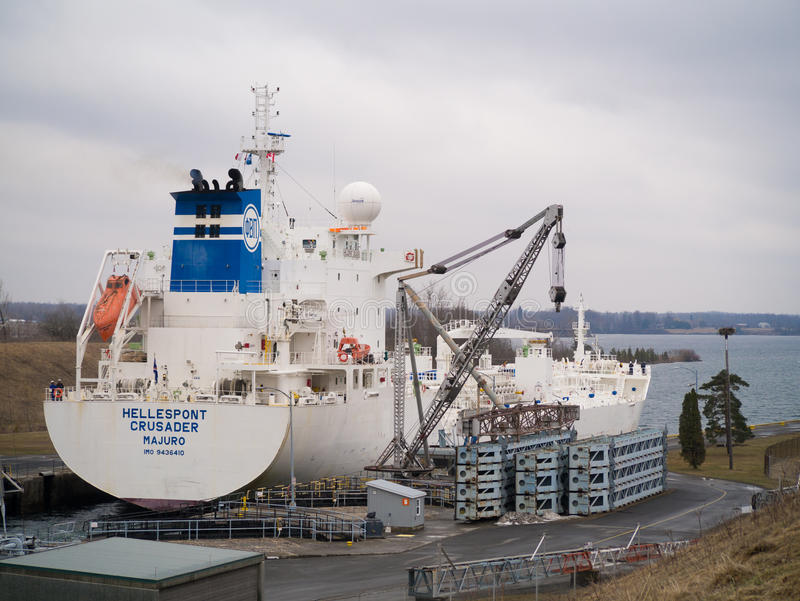 Petrolero de la sustancia química del aceite del cruzado de Hellespont fotos de archivo libres de regalías