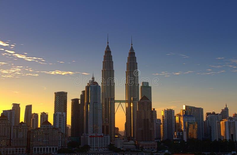Petronas bliźniacza wieża przy wschodem słońca fotografia royalty free