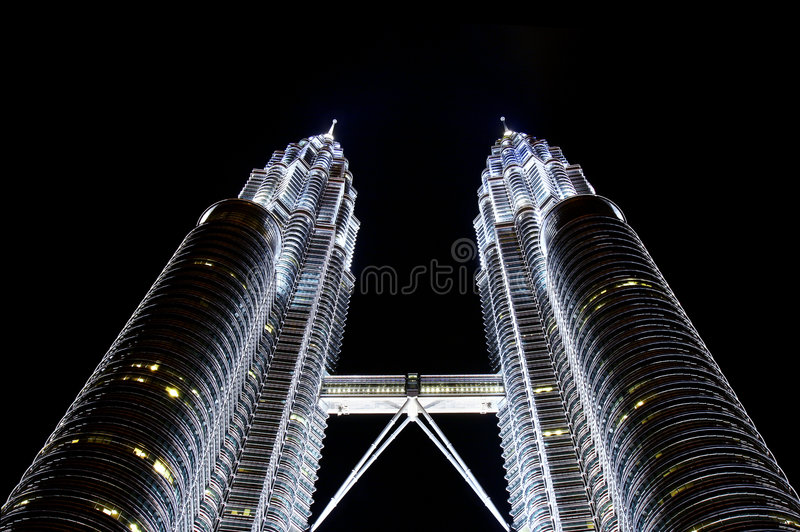 Petronas-Kontrolltürme, Kiloliter, Malaysia lizenzfreie stockbilder