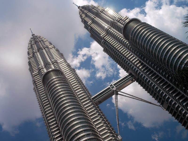 Petronas ragt - Kuala Lumpur - Malaysia hoch lizenzfreie stockbilder