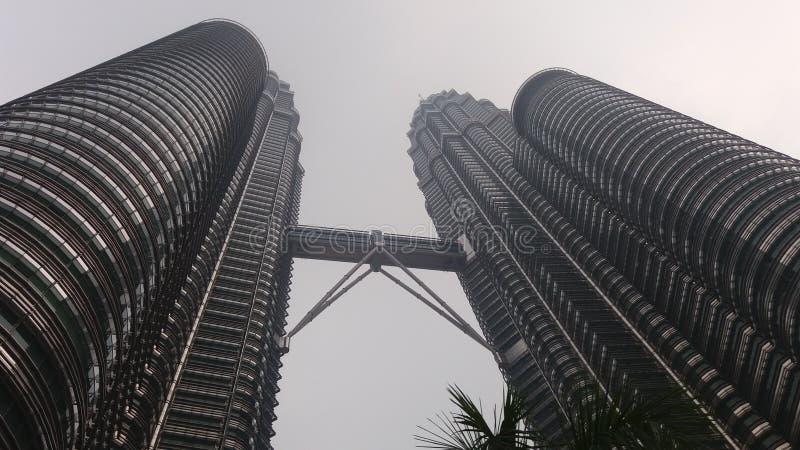 Petronas tvillingbroderMalaysia byggnad royaltyfri fotografi