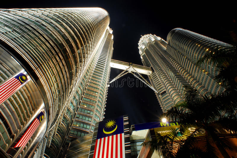 Download Petronas Twin Towers editorial image. Image of kuala - 25355755