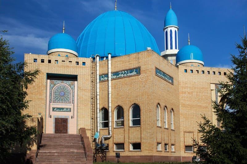 PETROPAVL, IL KAZAKISTAN - 24 LUGLIO 2015: La moschea moderna Kyzyl-Zhar immagini stock libere da diritti