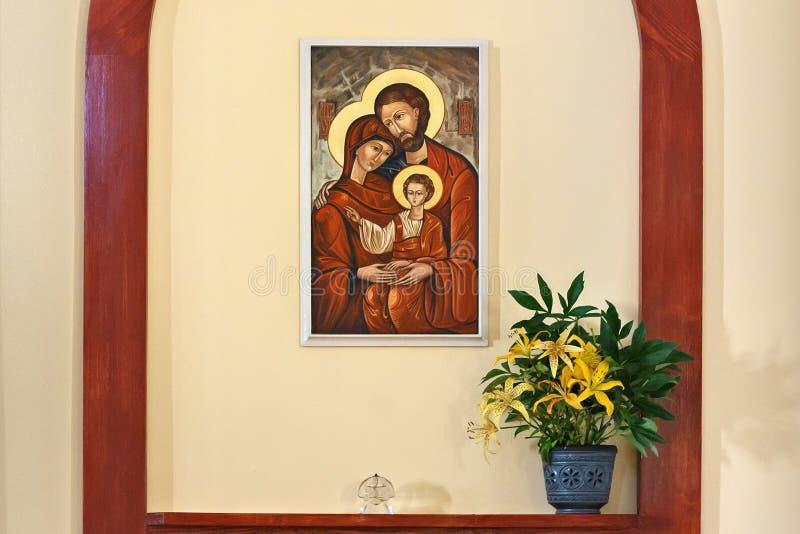 PETROPAVL, KAZACHSTAN - JULI 24, 2015: Binnenland van Roman Catholic Church van het Heiligste Hart van Jesus in Petropavl stock afbeelding