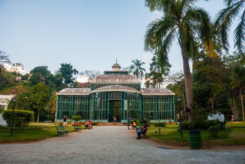 Petropolis, Brasil: Crystal Palace é uma estrutura do vidro-e-aço que seja construída em 1884 para a princesa de coroa Isabel com fotos de stock