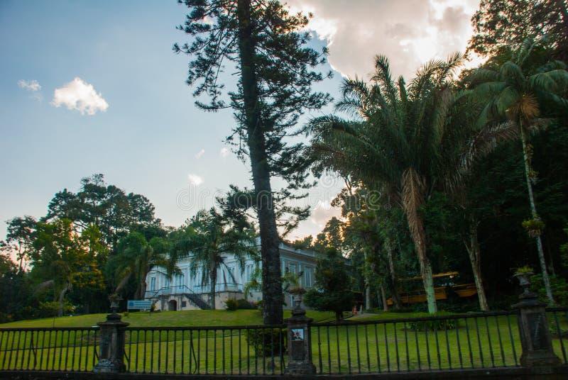 Petropolis, Brazilië: Crystal Palace is een glas-en-staalstructuur die in 1884 voor de Kroonprinses Isabel als a werd gebouwd stock foto's