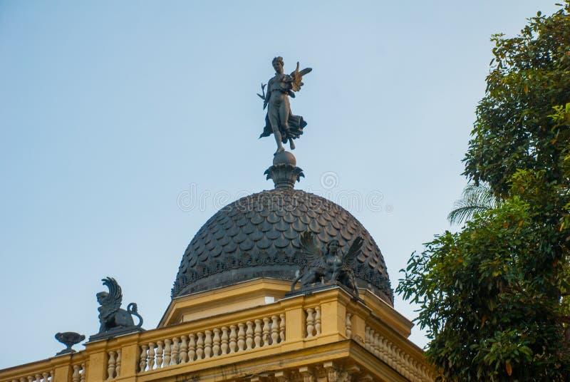 Petropolis, Brazilië: Gele PaleisGemeenteraad, Palacio Amarelo, Camara Municipal, Rio de Janeiro royalty-vrije stock foto's